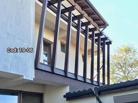 Terasa lemn acoperită cu policarbonat compact transparent 19-06