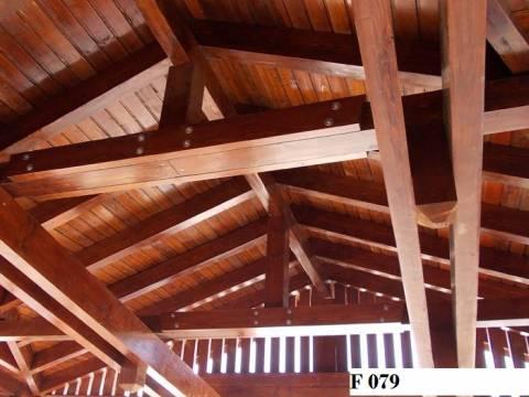 Foisor lemn nr 79