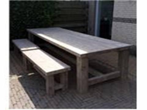 masa si scaune lemn1